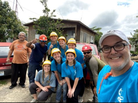 This photo was taken at one of the worksites. Pictured is (back row left to right) the owner of the house, Ramón (ReHace worker), Tess Nottleman, Drew Damme, Brooke Novak, Luís (ReHace worker & foreman) front row left to right: Abi Nelson, Morgan Lowery, Hope Fett, and Eduardo Bousson.